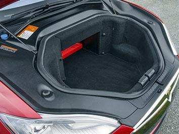 Багажник в Tesla Model S
